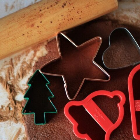 No Bake Cinnamon Applesauce Ornaments