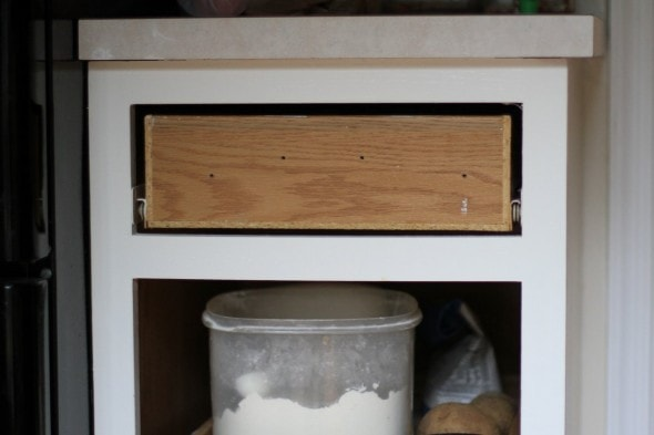 remove drawer front for painting