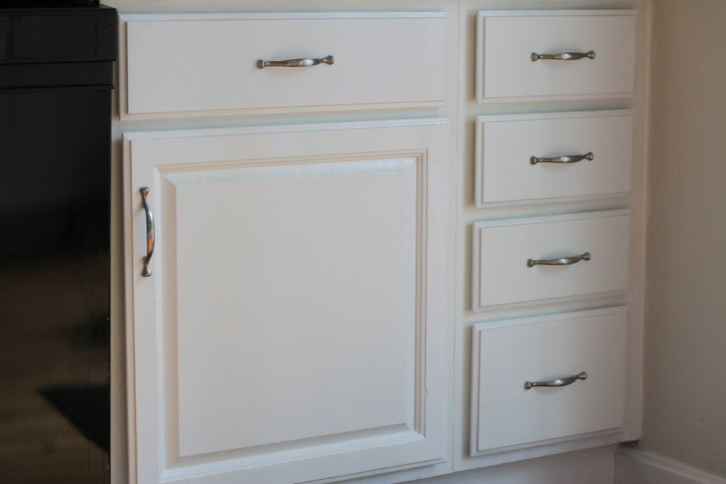 Applying 16 Bright Kitchen Paint Colors: How To Paint Kitchen Cabinets