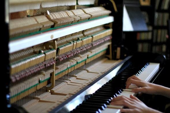 piano taken apart