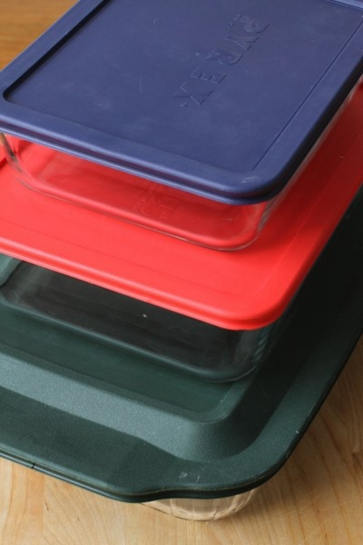 Pyrex lidded rectangular dishes