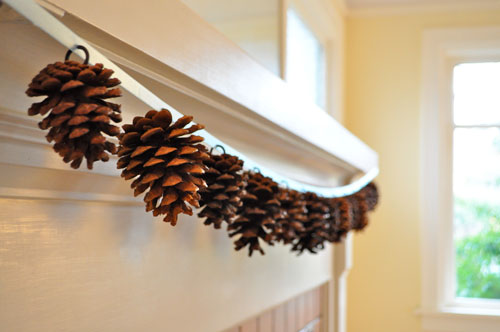 10 Classy Fall Crafts - Pine Cone Garland