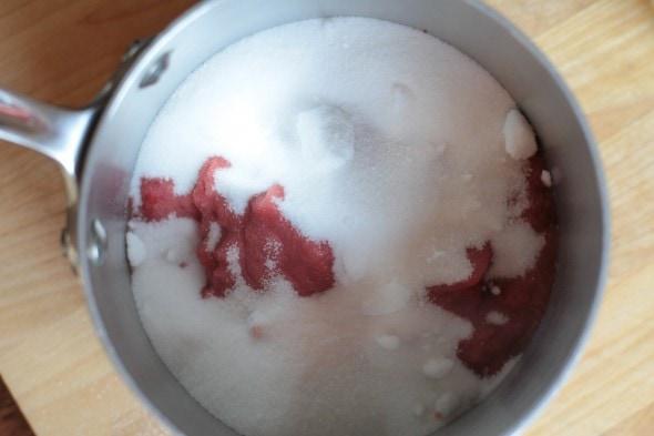strawberry syrup DIY