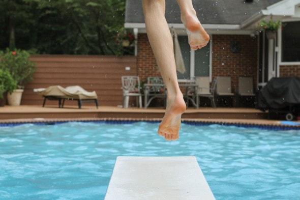 diving board pool