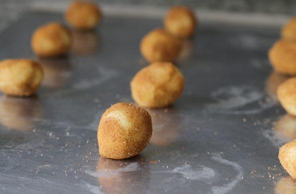 snickerdoodle dough balls