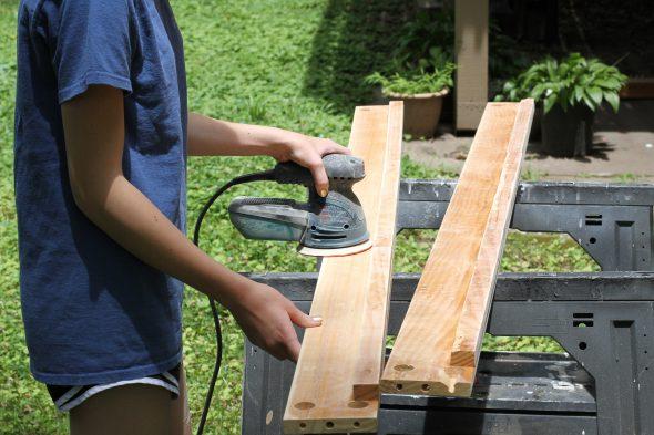 Sonia sanding bunked rails