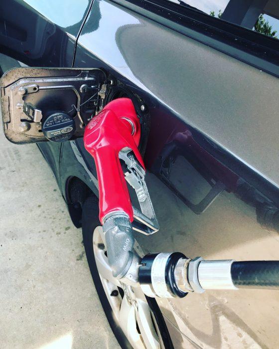 Pompowanie gazu po przeciwnej stronie Costco