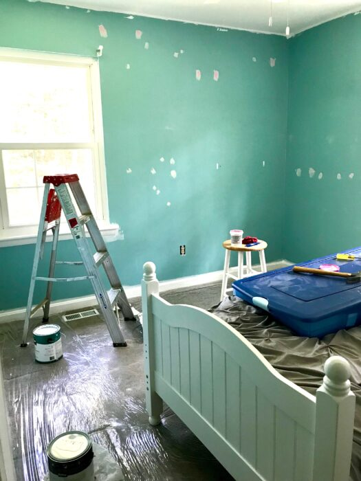 spackle in wall holes