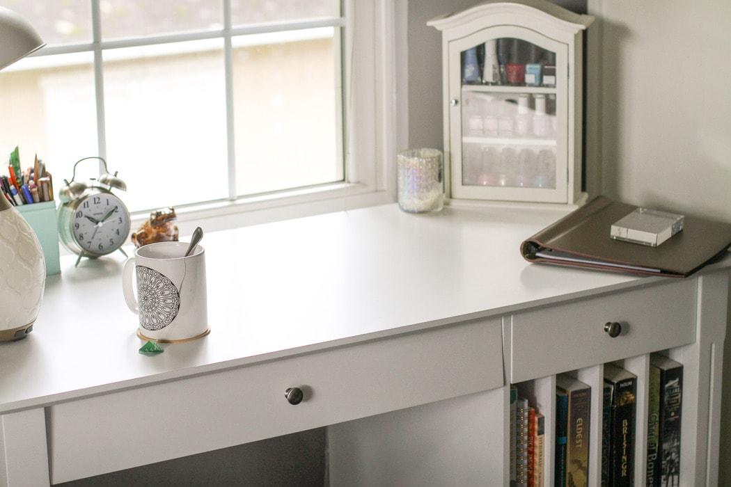 Sonia's new white desk