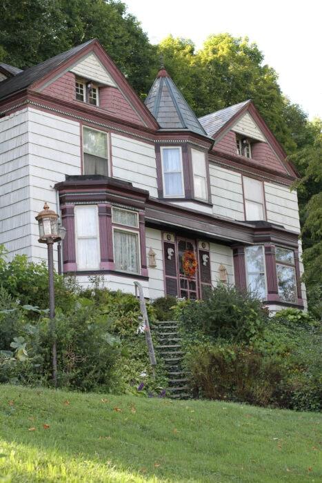 Roscoe Village house