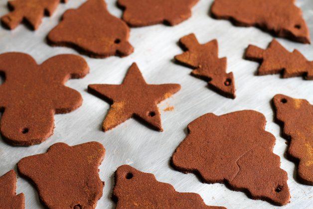 cinnamon applesauce ornaments drying