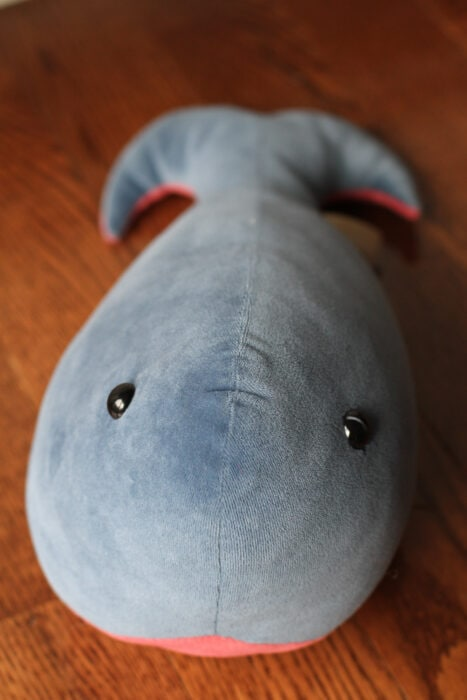 Flufflyland velour whale