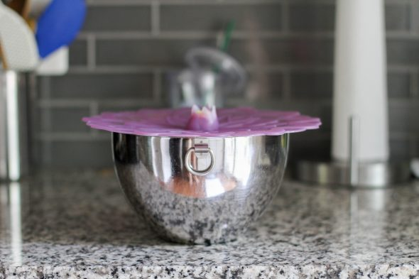 Viancin lid on metal bowl