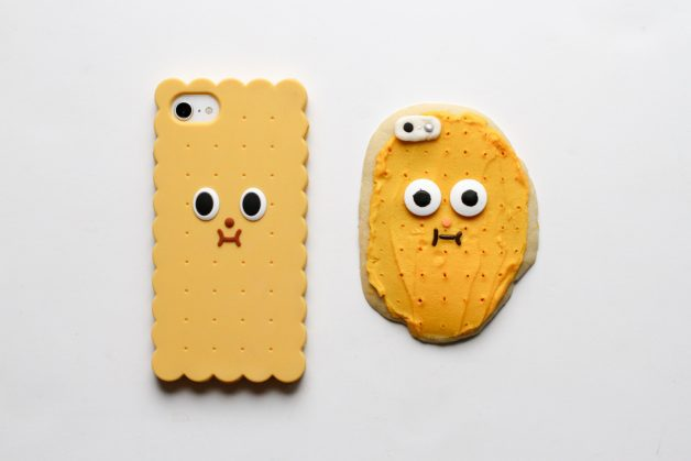 phone case Christmas cookie
