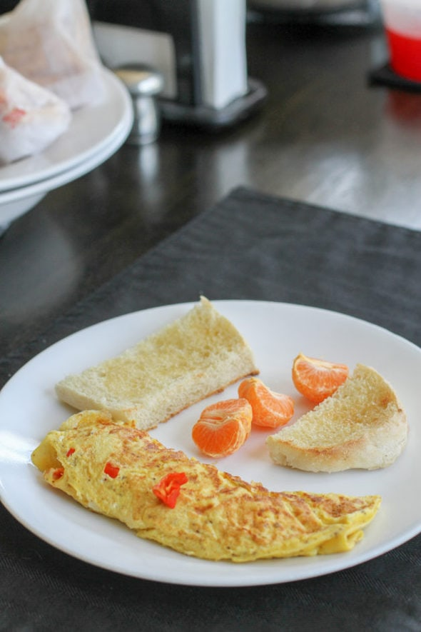 omelet with toast.
